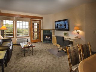 spacious hotel suites in Vancouver WA