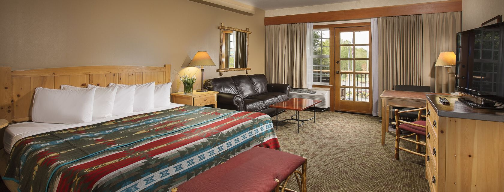 Book your Room at the Heathman Lodge